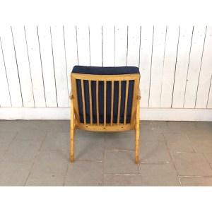 fauteuil-velour-bois-clair-bleu-1