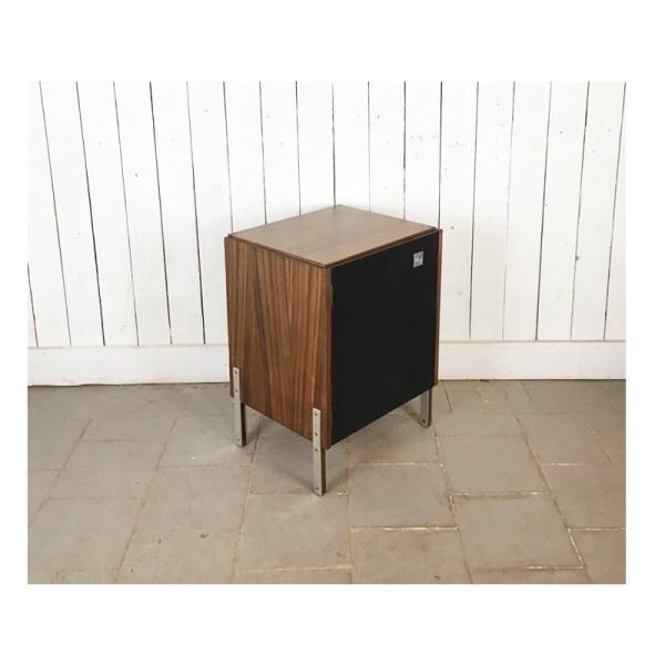 petit-meuble-porte-noire-1