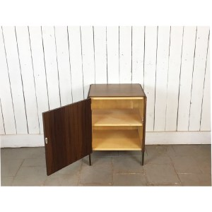 petit-meuble-porte-noire-2