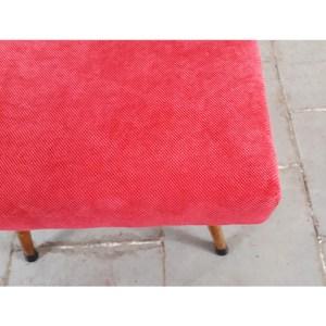 tissu-rouge–tabouret