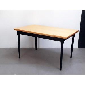 table-rallonges-blond-pied-noir-2
