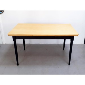 table-rallonges-blond-pied-noir-3
