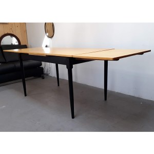 table-rallonges-blond-pied-noir-5