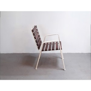 4-chaises-ext-blanches-3