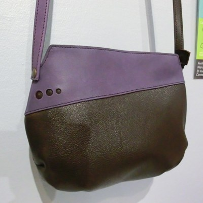Sac Indispensable cuir marron / violet