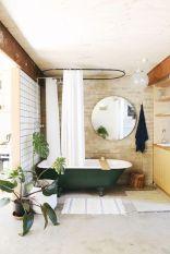 Dans une salle de bain aussi