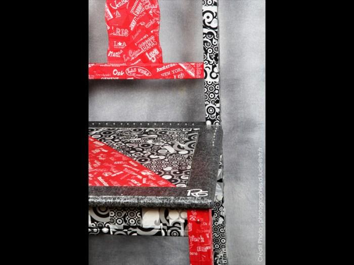 chaise-rouge-noir-loft-moderne-style-2