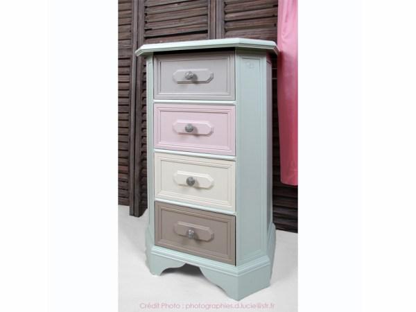 meuble-chevet-couleur-pastel-chambre-peint-main-3