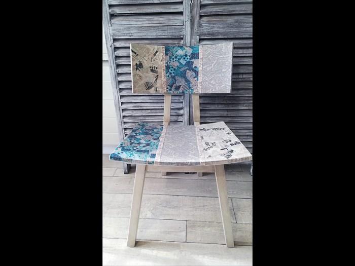 chaise-pastel-bois-pied-compas-1-atelier-de-rg-2