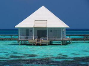 diamonds-athuruga-maldives-29250-1382302507