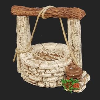 décors de crèche – Santons – puits poutre – Aubagne.jpg