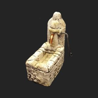 Atelier de fanny – santon – décors de crèche – santon de Provence – santon d'aubagne – aubagne – provence – région – made in france – l'artisanat- pompe à eau