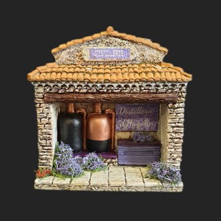 atelier de Fanny – santon – crèche – décors de crèche de provence – aubagne – santon aubagne – distillerie – lavande