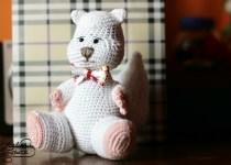 white squirrel crochet amigurumi