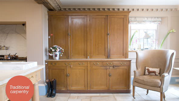 halstock-traditional-kitchen