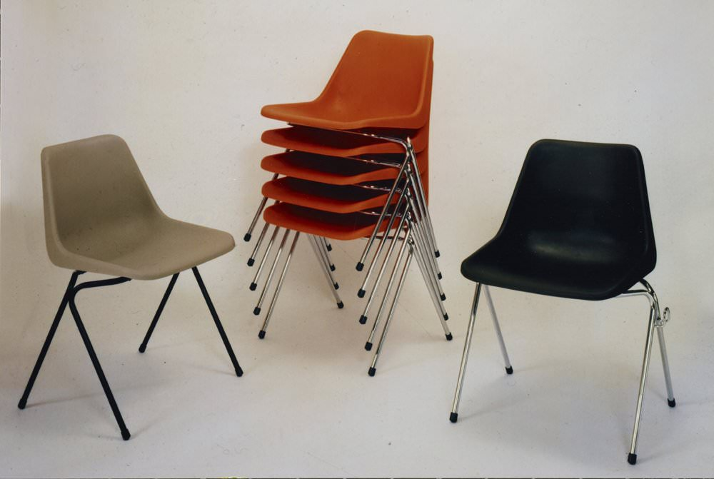 hille-robin-day-polyprop-chair-1964