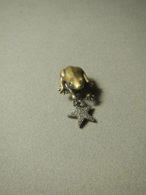 HB カエル 蛙 ピンブローチ ブローチ 粒星 星 動物シリーズ アトリエnest 熊本市 ateliernest atelinest