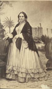 Φωτογράφος: Μωραΐτης, Πέτρος και Σία Περιγραφή: Η σύζυγος του Ιωάννη Παπαρρηγόπουλου, προξένου της Ρωσσίας.