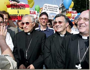 Rouco manifestandose contra las bodas gays
