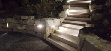 Treppe mit stein