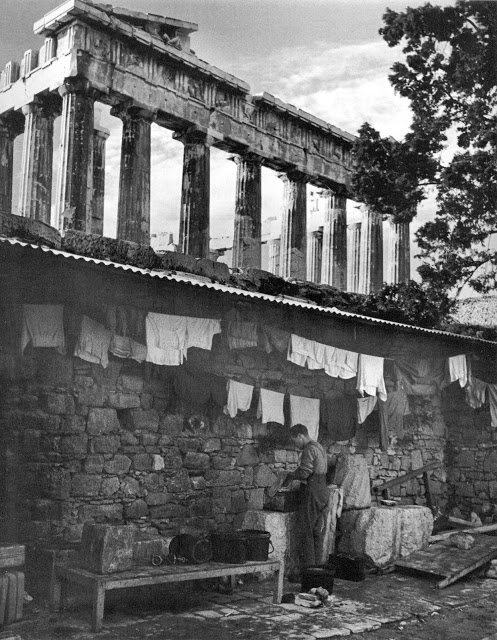 Βρετανοί «σύμμαχοι» σε ανάπαυλα. Όταν δεν σκότωναν έλληνες πατριώτες επέδειχναν τον «πολιτισμό» τους…