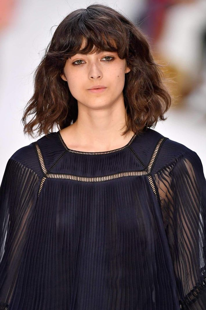 15 haircuts for thick wavy hair