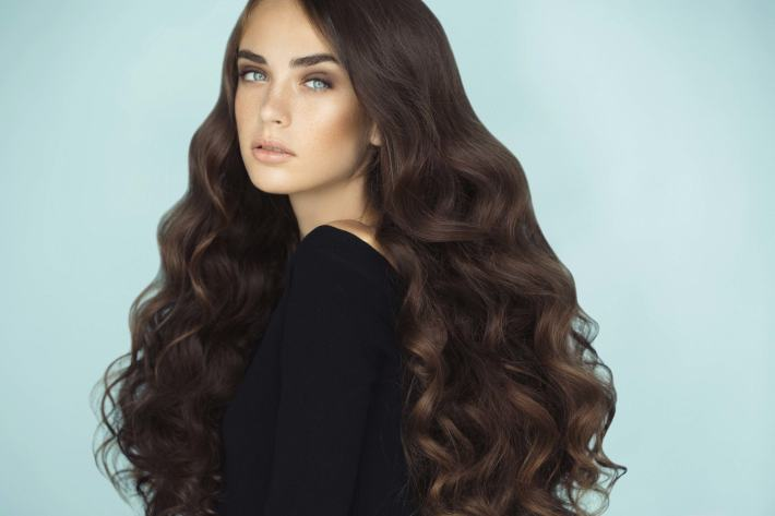 layered haircuts for thick hair: 14 versatile looks to love