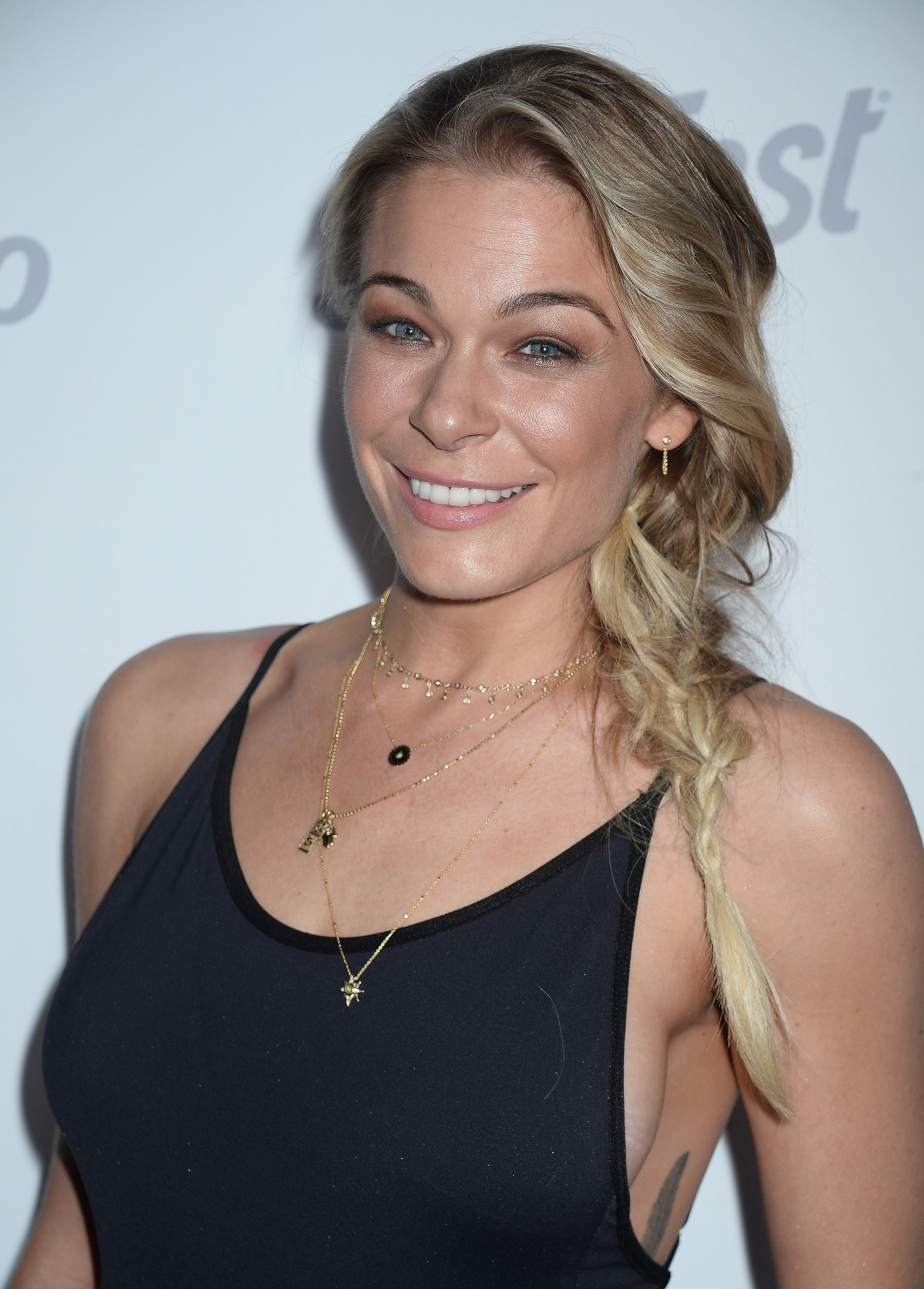 LeAnn Rimes Just Got A Lob Cut For The First Time Amp Its