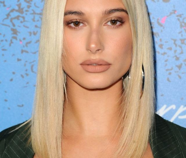 Medium Bob Haircuts Shot Of Hailey Baldwin With Sleek Hairstyle On The Red Carpet