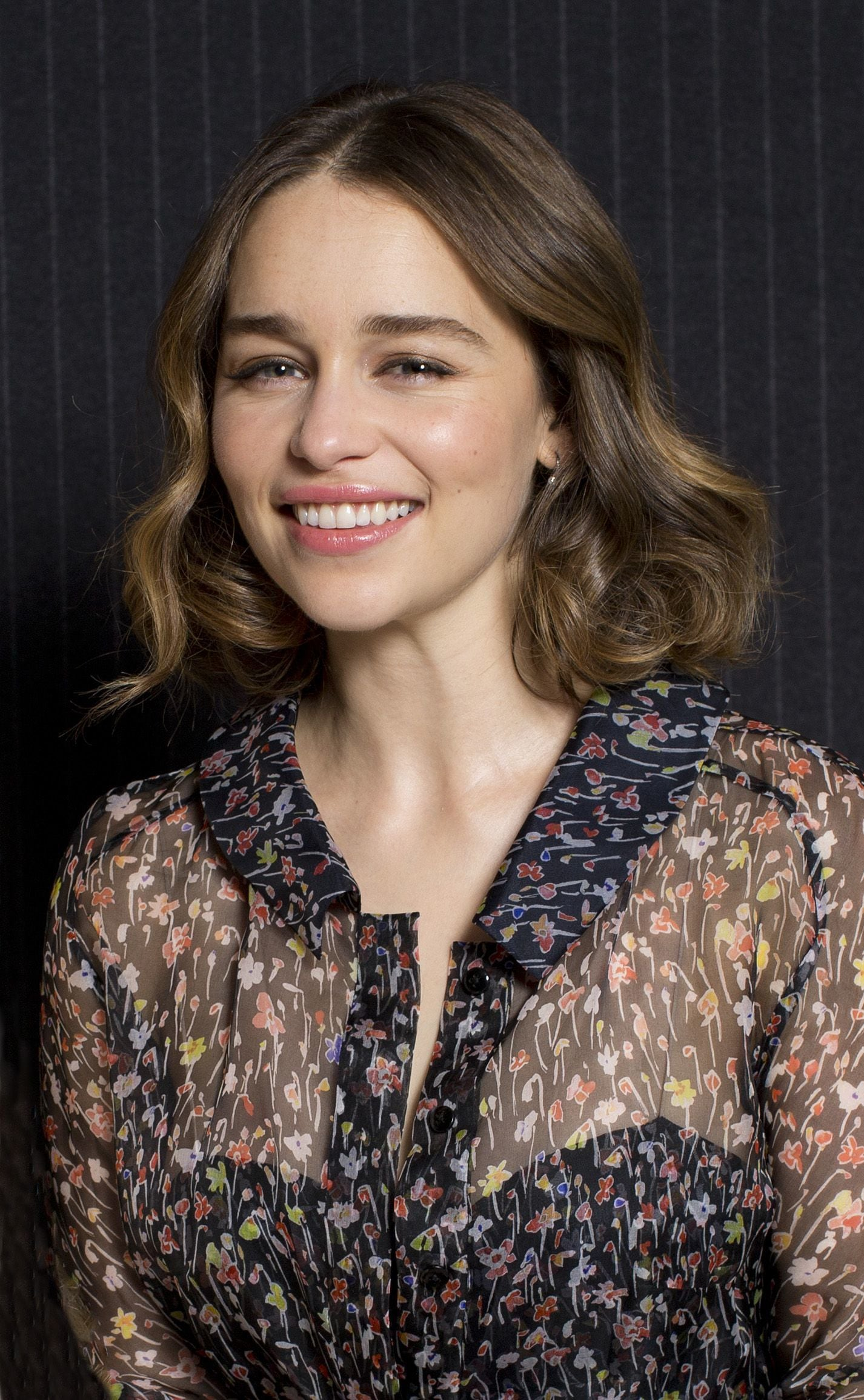 Emilia Clarke Has Dyed Her Hair A Khaleesi Inspired Hue
