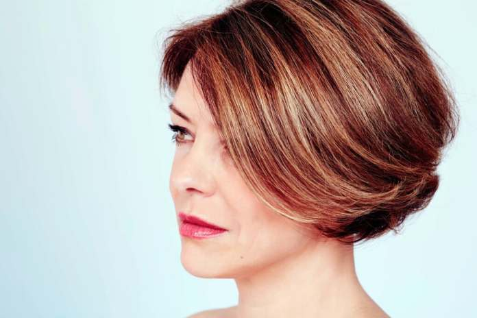 14 Hairstyles For Square Faces For Women In Their 40s