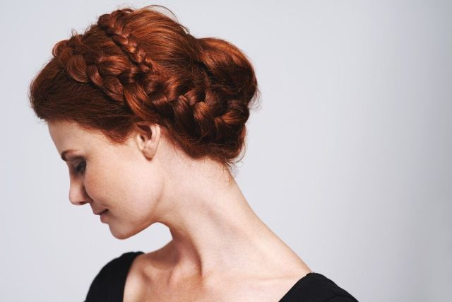 31 romantic medieval hairstyles that still slay today
