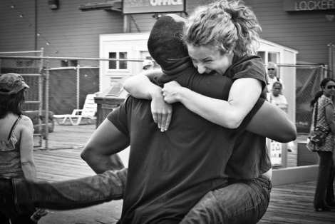 A couple being reunited again. Image: Derriel Street Photography, Flickr.
