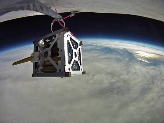 800px-Phonesat-balloon-test.743380main