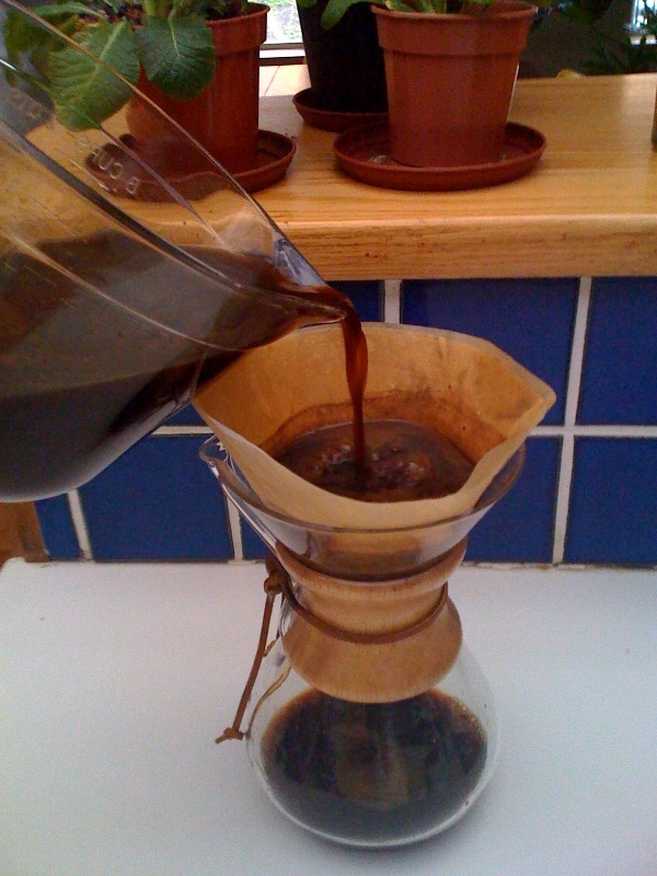 coffee-into-chemex