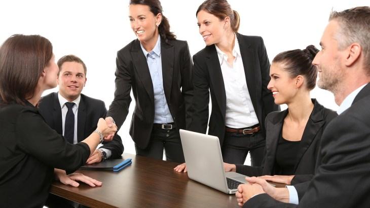 チームの人数を活かして営業活動でのインセンティブスポンサー