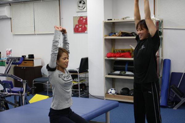加圧トレーニングをする女性