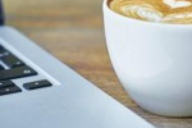 Κι αν πέσει καφές στο laptop;