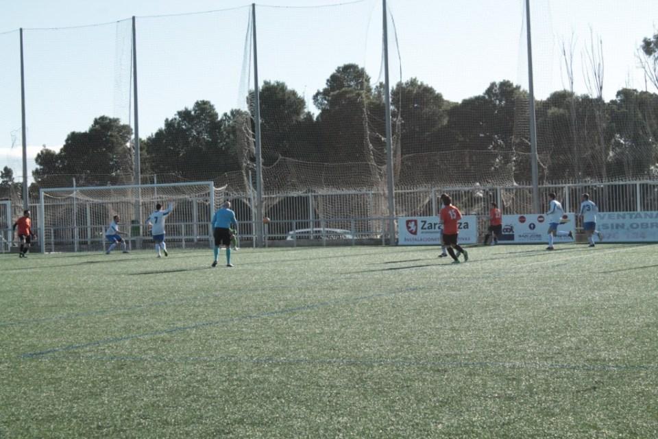 Adrián, tras marcharse de dos rivales, saca un centro. Con la caña aguarda Dani, que logrará el 0-1.