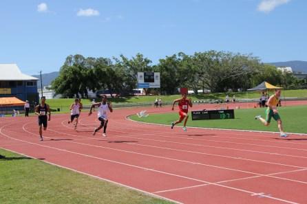 Boys 200m Heats (33)