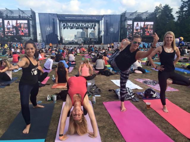 4_ladies_yoga