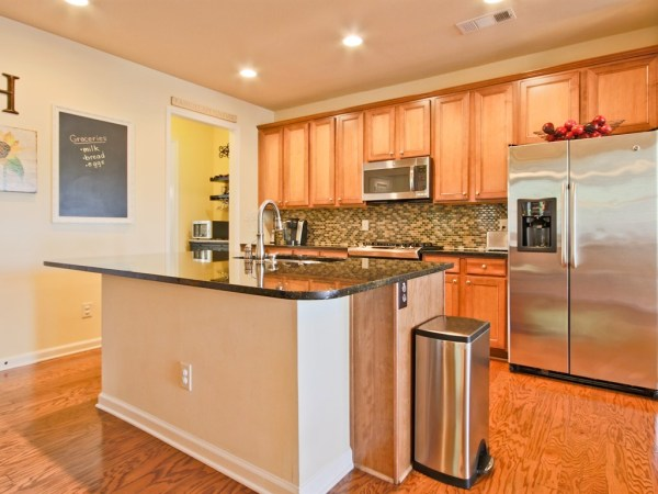 Village Manor Place Craftsman Style Home For Sale (21)