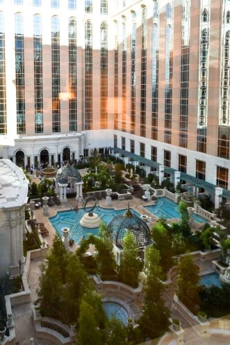 experience-the-venetian-las-vegas-luxury-at-its-best...-plus-the-one-restaurant-you-must-try-2