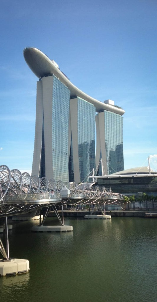 Singapore Travel Guide - 8 Things to do in Singapore