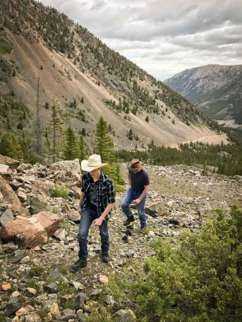 beautiful-images-that-will-make-you-want-to-visit-montanas-absaroka-beartooth-wilderness-athomeonthego.com-travel-blog-2