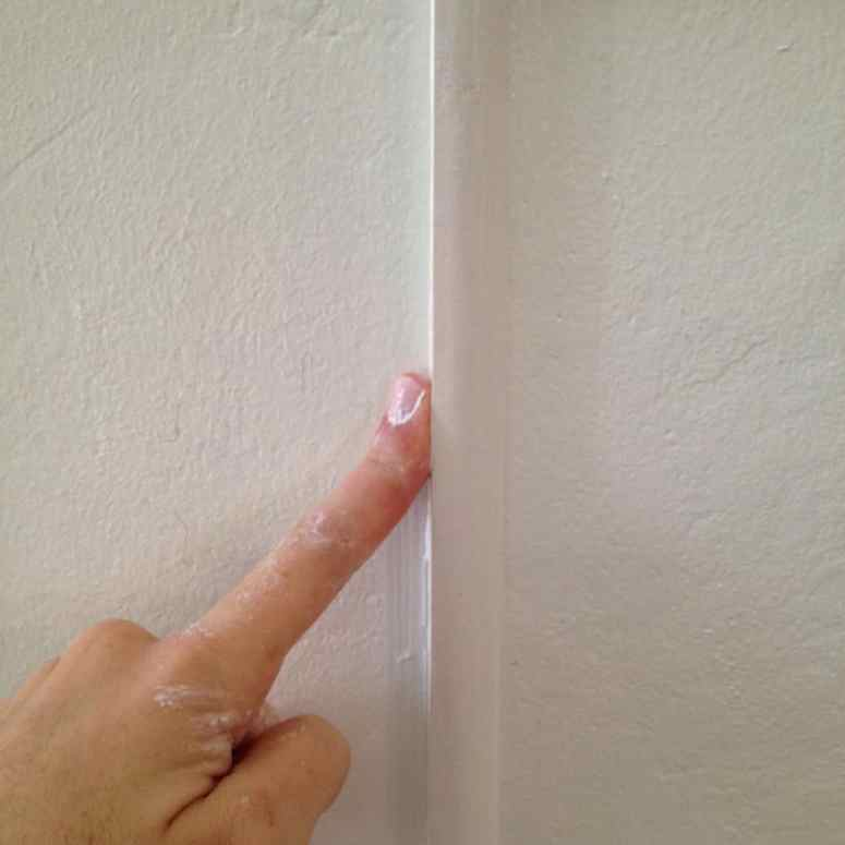 How to install DIY picture molding easily. This is also known as picture frame moulding wainscoting and adds a European touch to your home
