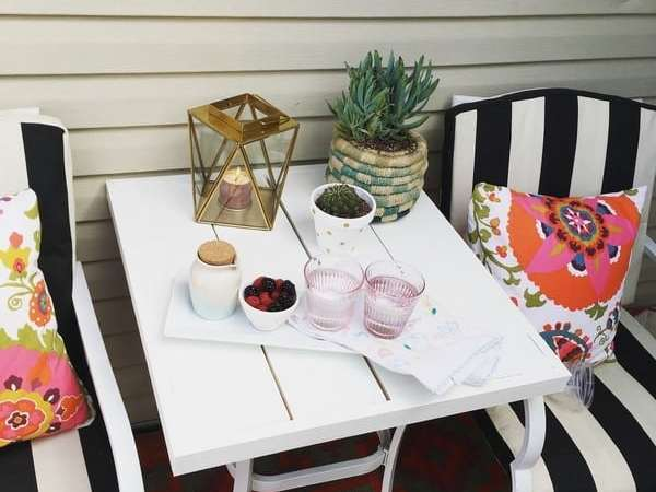 How to Update Old Patio Furniture