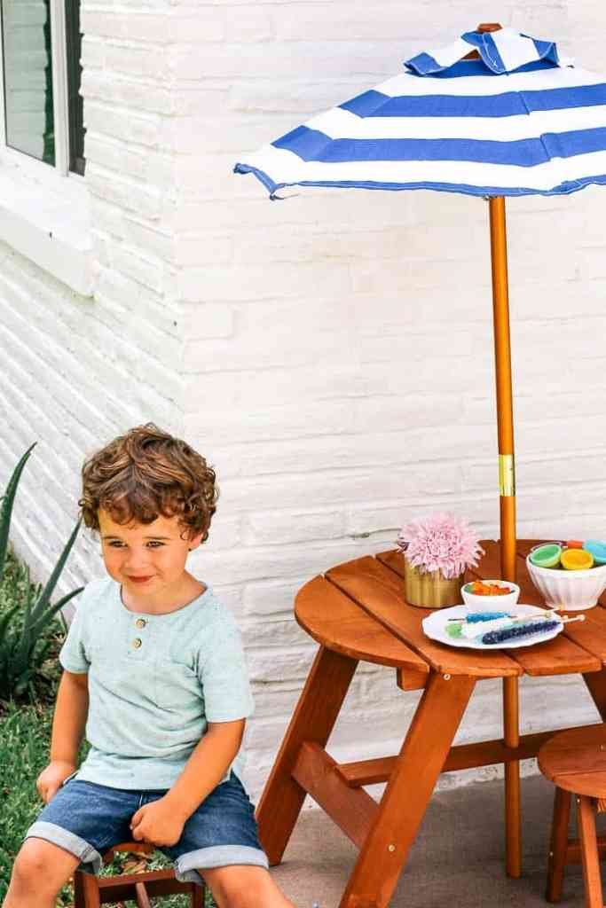 outdoor entertaining for adults and kids on a budget. Plus play date etiquette and tips. Outside areas and spaces- like patios and decks are great for parties! I share food and DIY ideas
