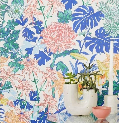 chinoiserie removable wallpaper roundup. Here are some gorgeous self adhesive wallpapers- perfect for an accent wall, tempoarry wall, apartments, bathroom, and bedrooms. You can find these vinyl wallpaper products in the pretty chinoiserie pattern from Urban outfitters, Etsy, and Target. I share ideas for adding them to your home and tips to selecting the right scale,