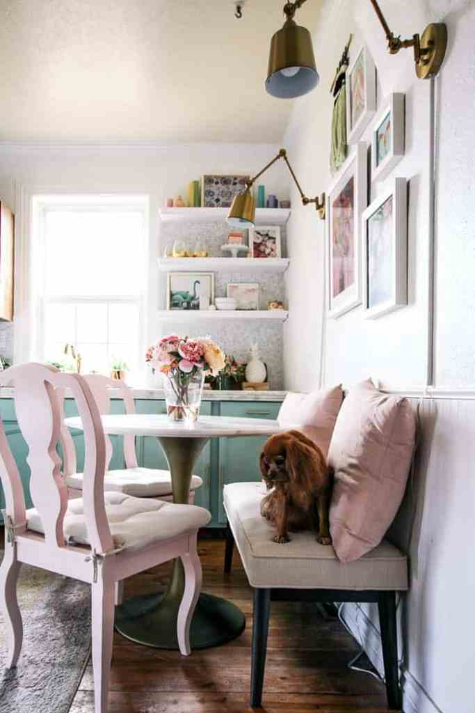 small space round dining table. Are you looking for a cute little table for a tiny space? Maybe a breakfast nook? I have some ideas for making the area work and a round up of tables. These would work in a tiny house too! And perfect with a bench!